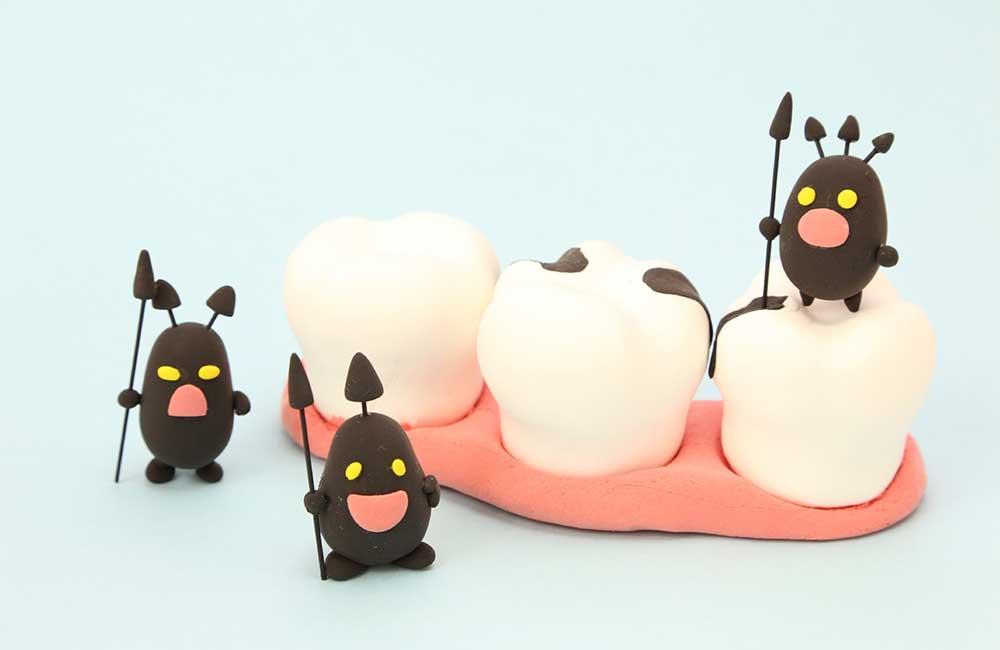 白い虫歯…歯科医に聞いた3〜4歳児の仕上げ磨き