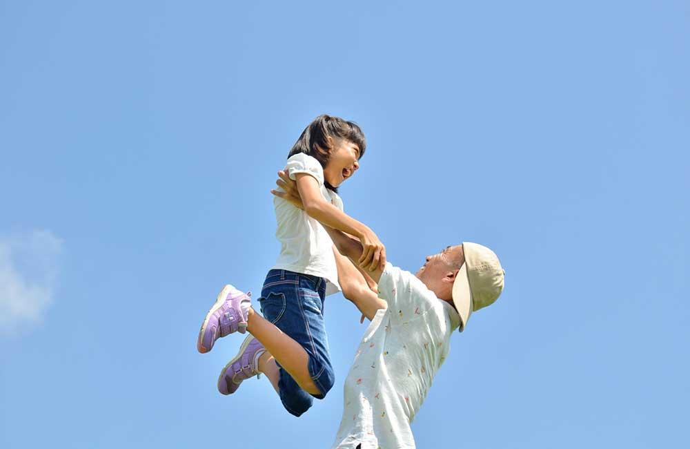 後悔するパパが6割…子どもと遊べる時間は今しかない