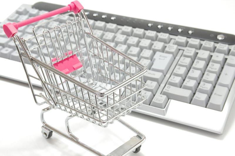Amazonと楽天の購入履歴をまとめてチェックできるアプリ「Swingtrack」