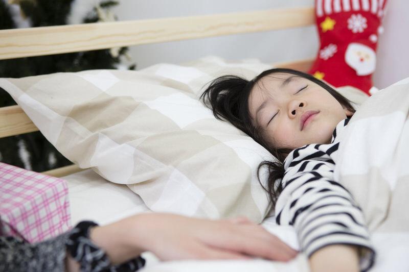 寝かしつけ平均時間15分、「子どもの満足時計を意識して」寝かしつけで悩まなくる方法